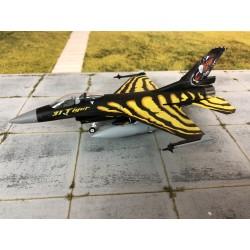 Witty F-16  1-72